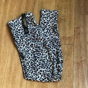 c62c59217c7b Leggings Depot Cheetah Print Leggings